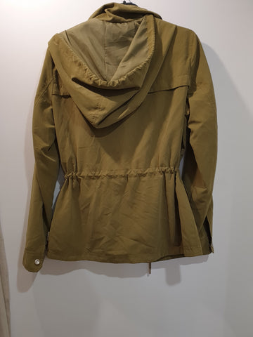 Stylish wind jacket with hood