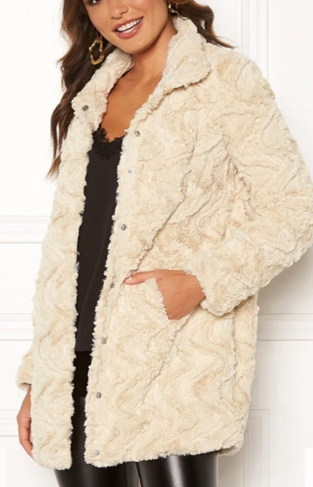 Faux Fur Curly Coat- cream