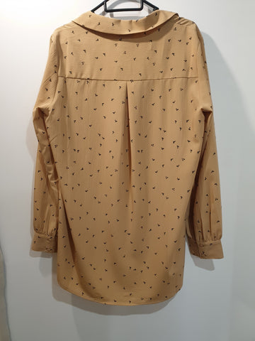 Beige floaty shirt with pattern
