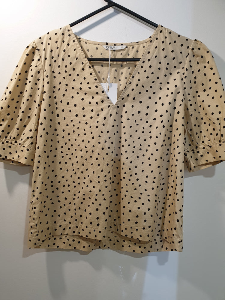 Cute organic cotton dotted beige top