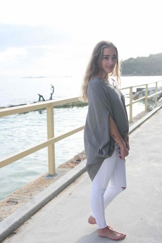Batwing silk top. Grey