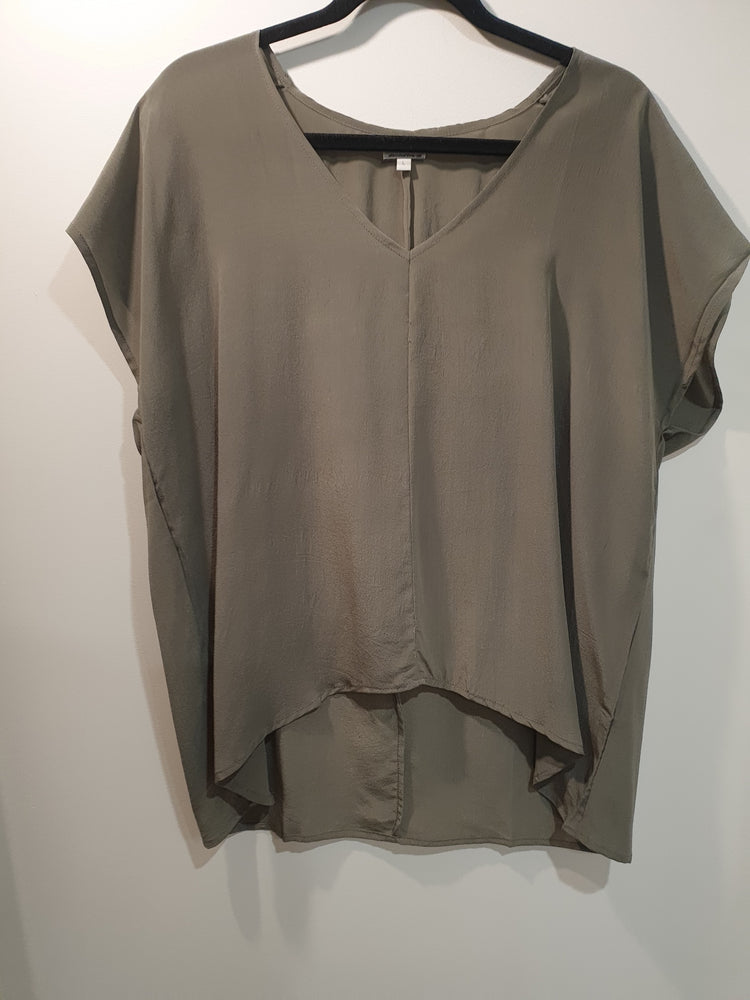 Silk V-neck top Grey