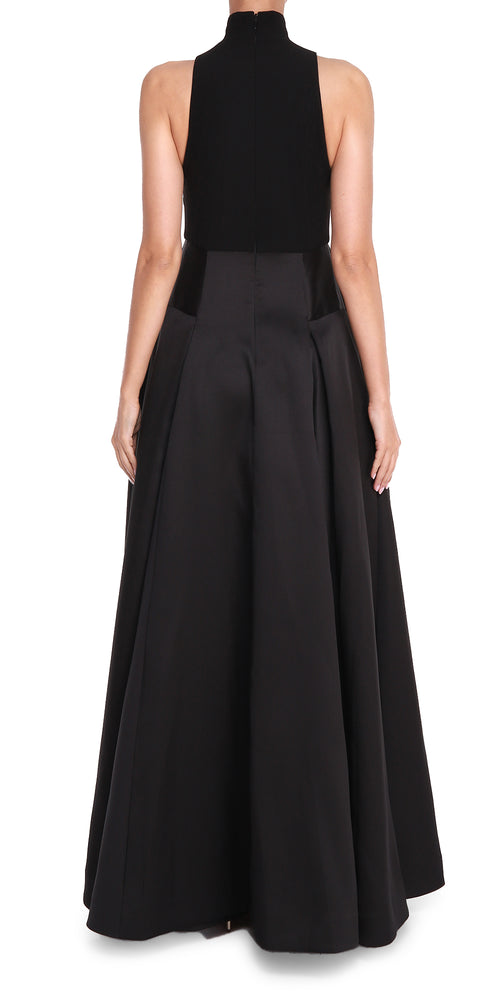 Sleveless High Neck Gown