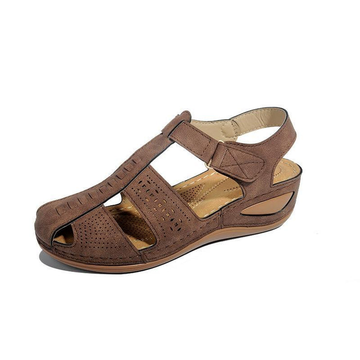 Women's snug hollow-out sandals