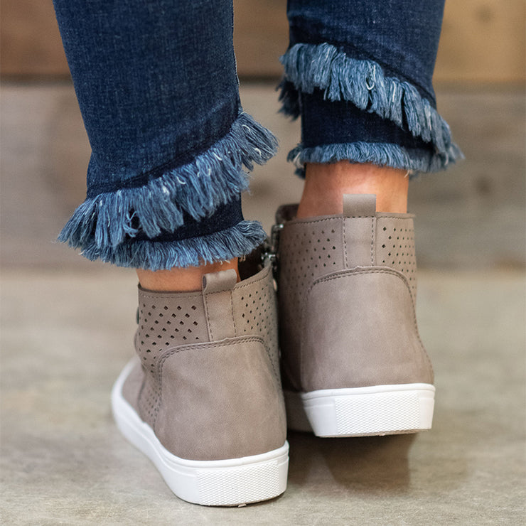 Women Hollow-out Zipper Flat Casual Booties