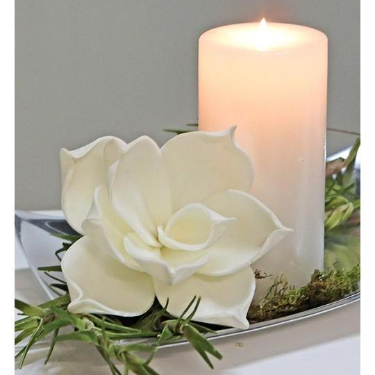 White Single Foam Flower £1.30