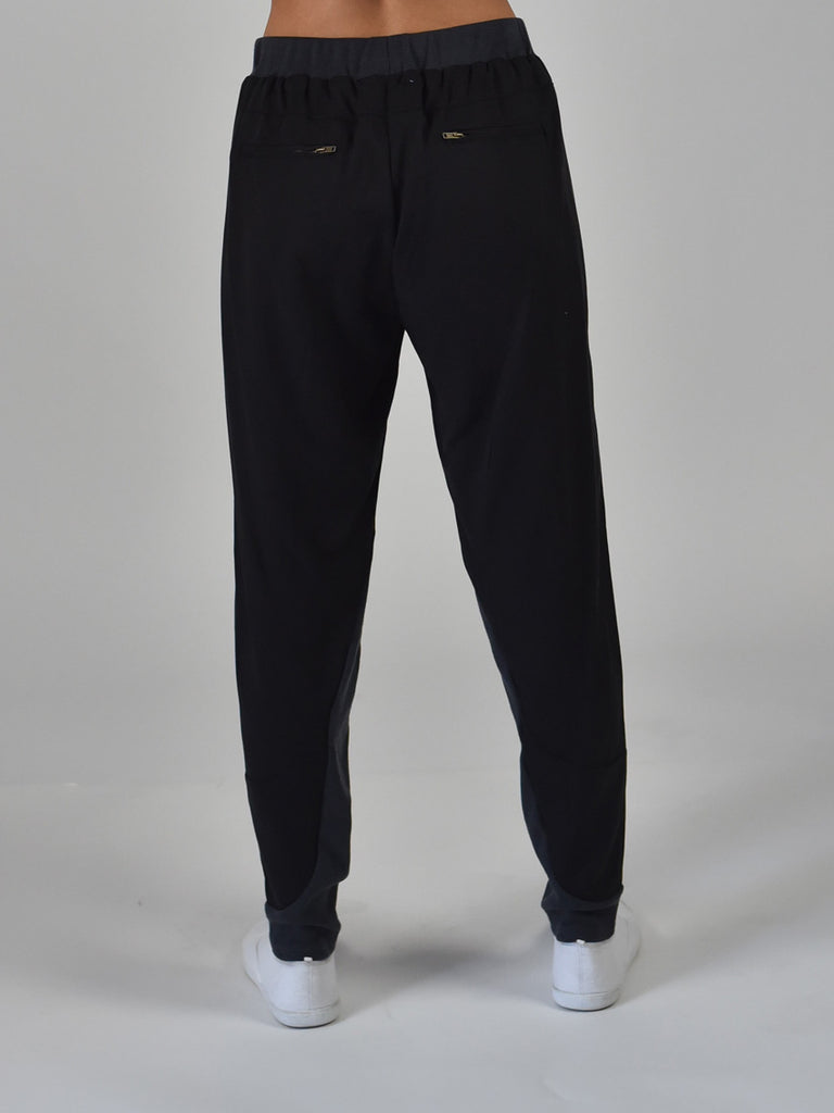 Carousel Essentials Travel pant