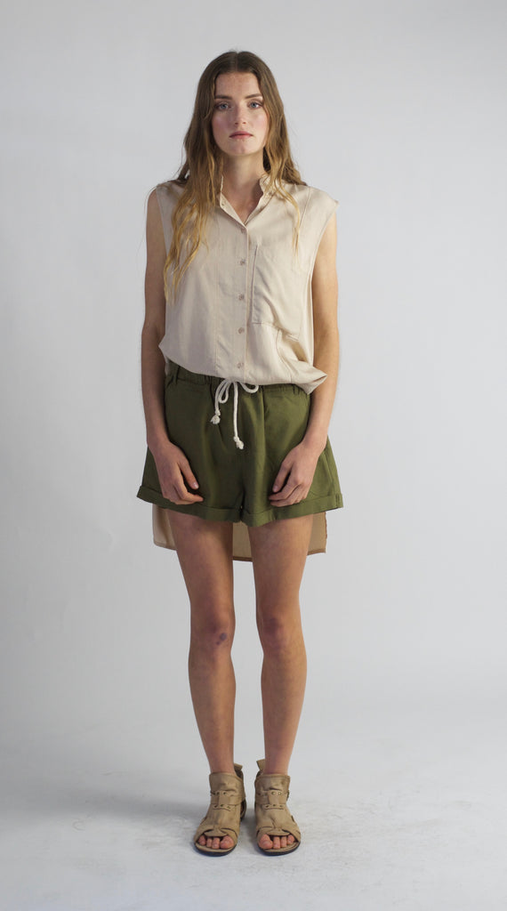 Carousel Essentials Capri Shirt In Sand