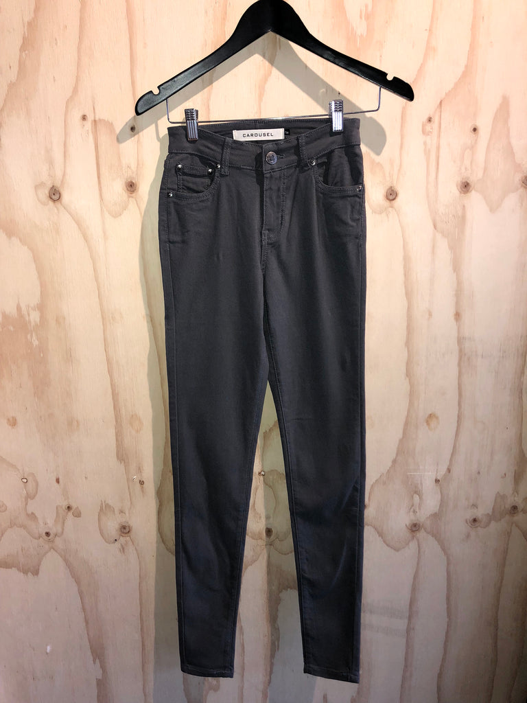 Carousel Essentials Super Stretch Jean in Charcoal