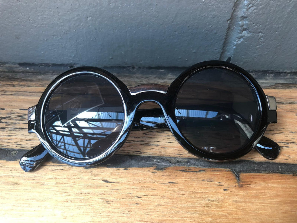Retro Circular Black Sunglasses