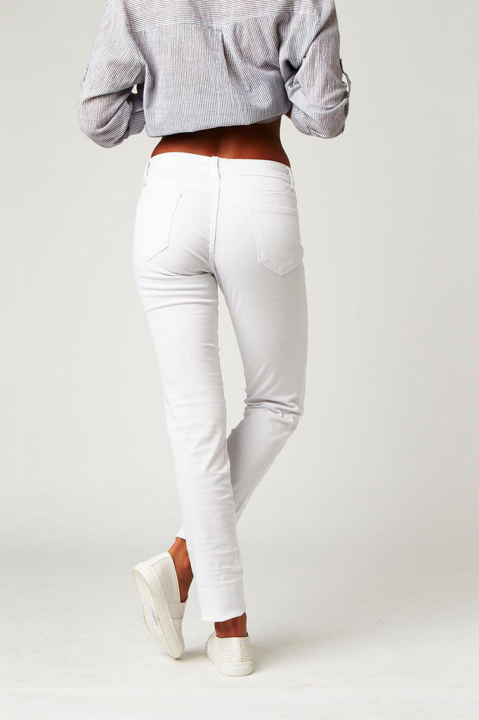 Carousel Essentials Washed Skinny Jean in White Denim