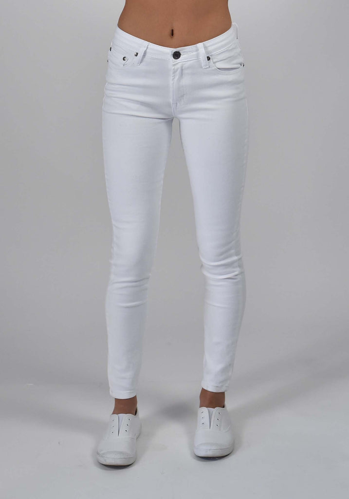Carousel Essentials Twiggy Jean in White