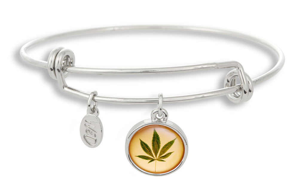 WINKY&DUTCH MAKES CANNABIS NOW MAG FESTIVAL FASHION HOT LIST