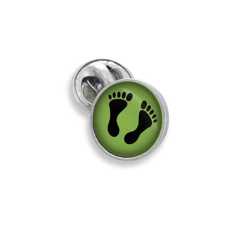 The Lapel Pin In 18mm Featuring the Winky&Dutch™ Foot Prints on the Beach in Green
