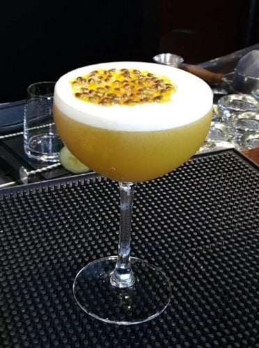 Pineapple Pornstar Martini - by Dyan Tjon - Barblog