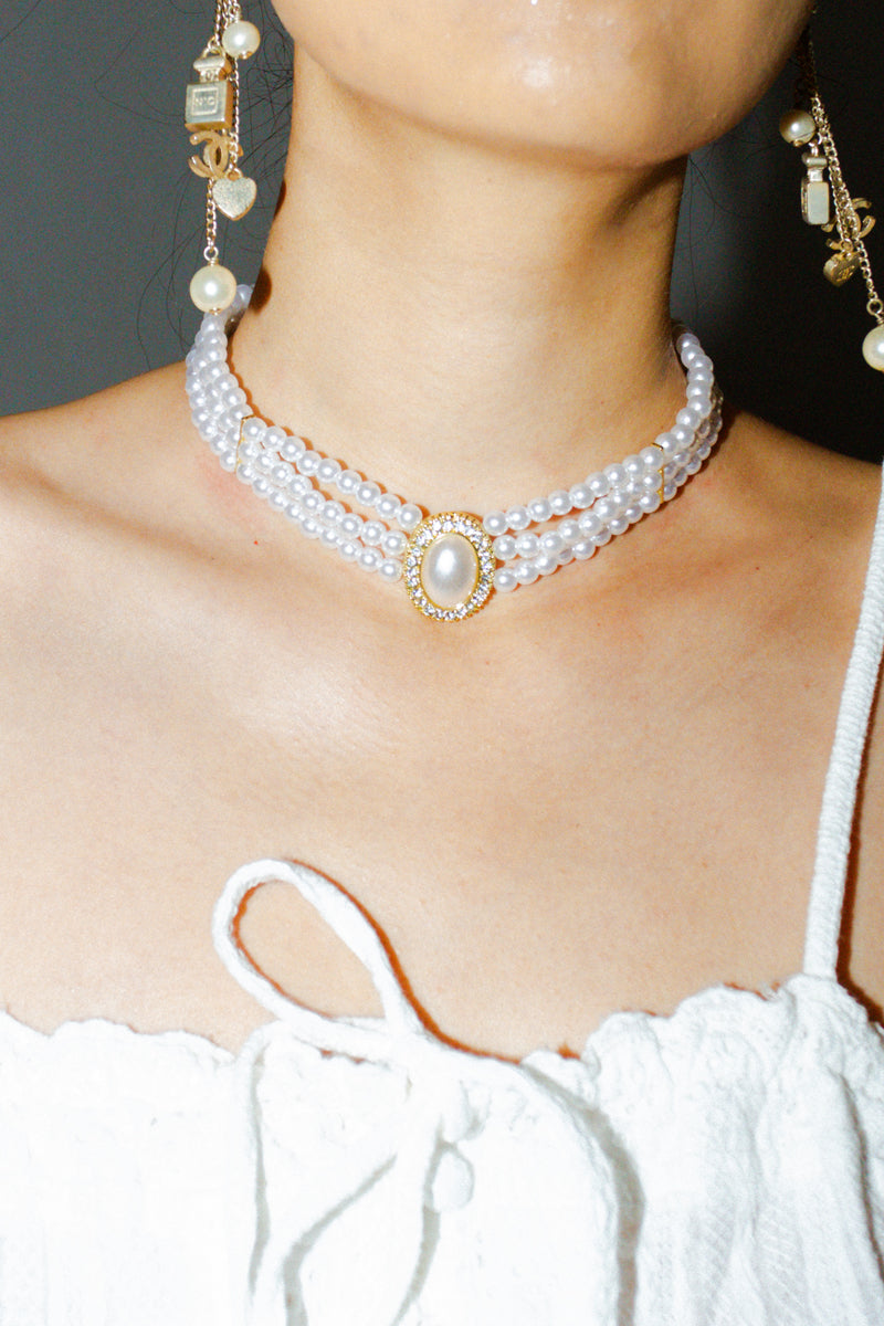 Faux Pearl Layered Pendant Necklace