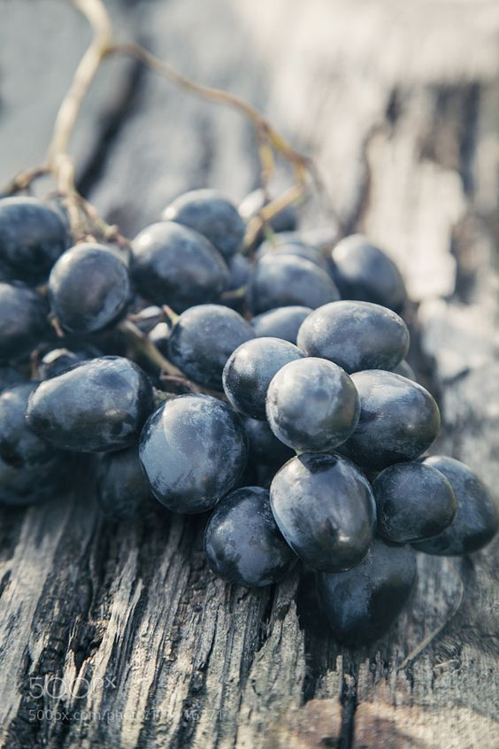Black Seedless Grapes (500gms)