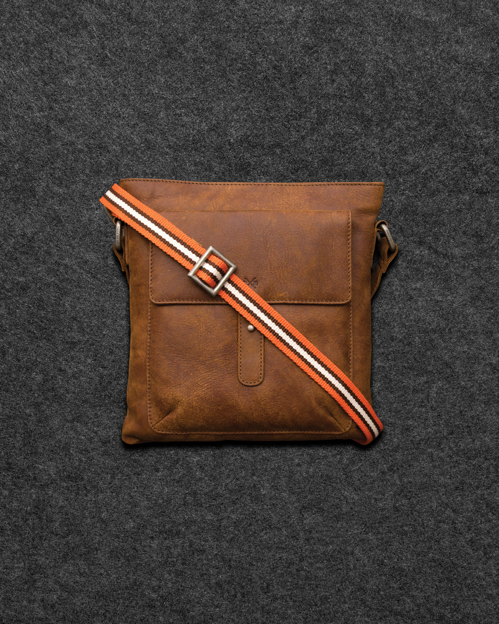 Yukon Leather Cross Body Bag