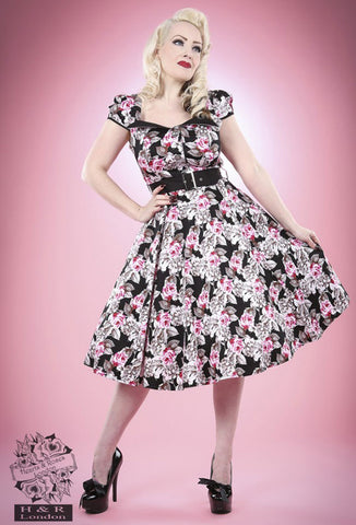Hearts & Roses Yasmin Dress Vintage Autumn Floral with model
