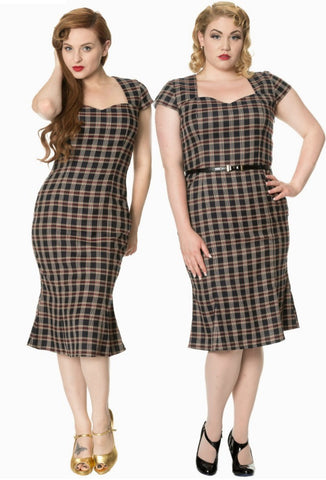Elvis Ain't Dead - Pencil Dress with Plus Size Model