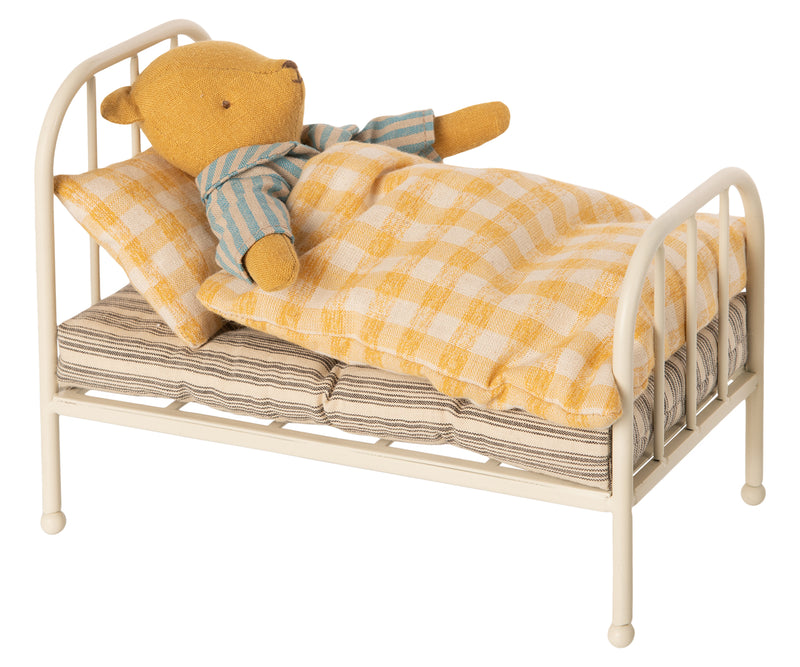 Vintage Bed Teddy Junior