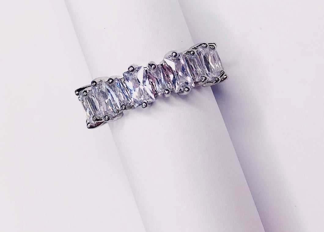 EMERALD CUT STAGGERED