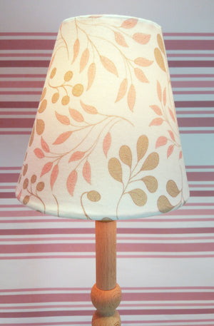 Table top lamp and shade