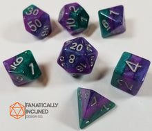 Load image into Gallery viewer, Purple Green Violet Resin Glitter 7pc Dice Set
