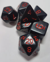 Laden Sie das Bild in den Galerie-Viewer, Black and Red Vampiric Influence 7pc Dice Set