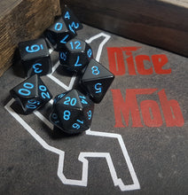 Laden Sie das Bild in den Galerie-Viewer, Black and Blue Close Encounters 7pc Dice Set