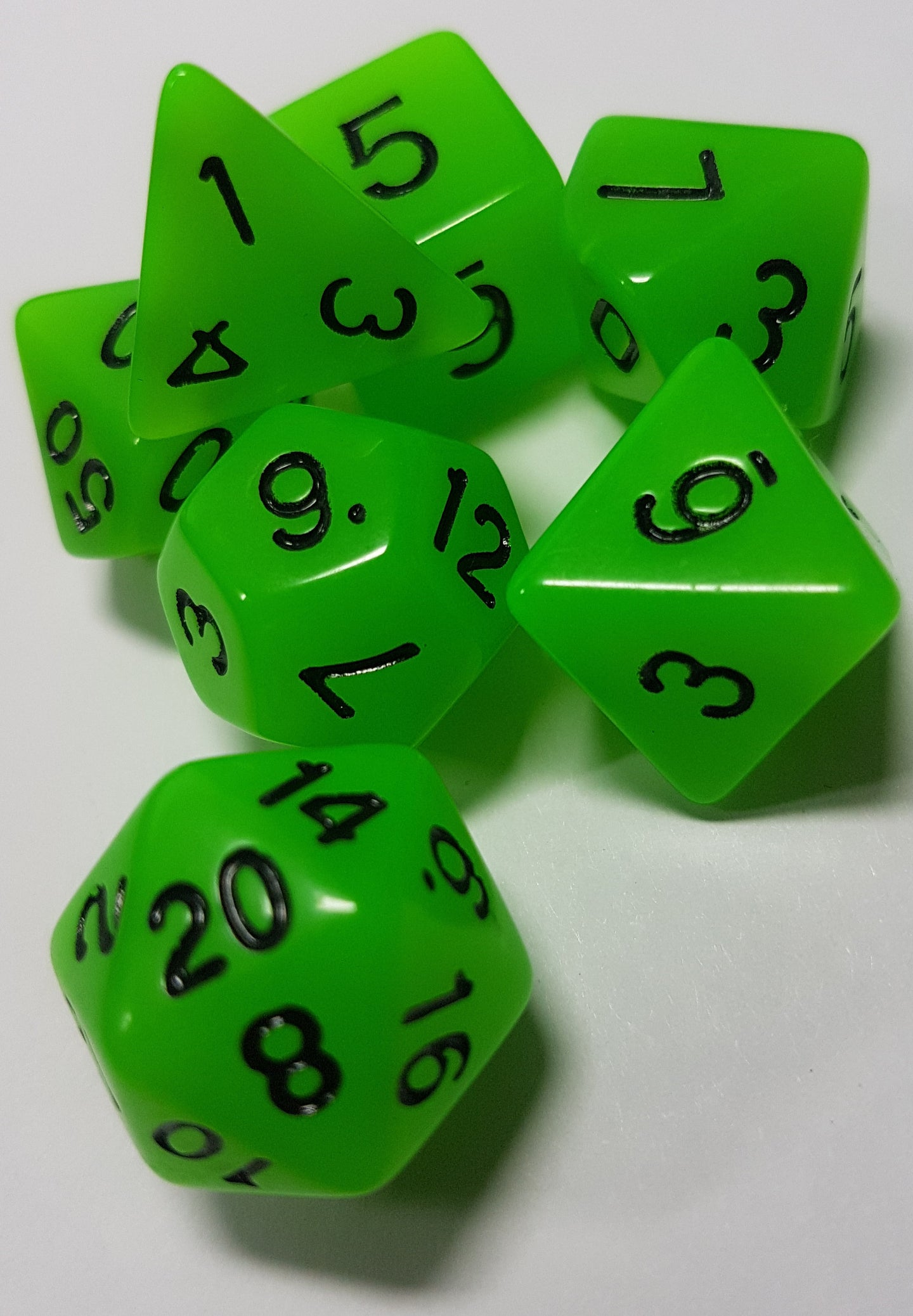 Green Radiant Glow In The Dark 7pc Dice Set