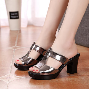 Women's Slippers  Sandals