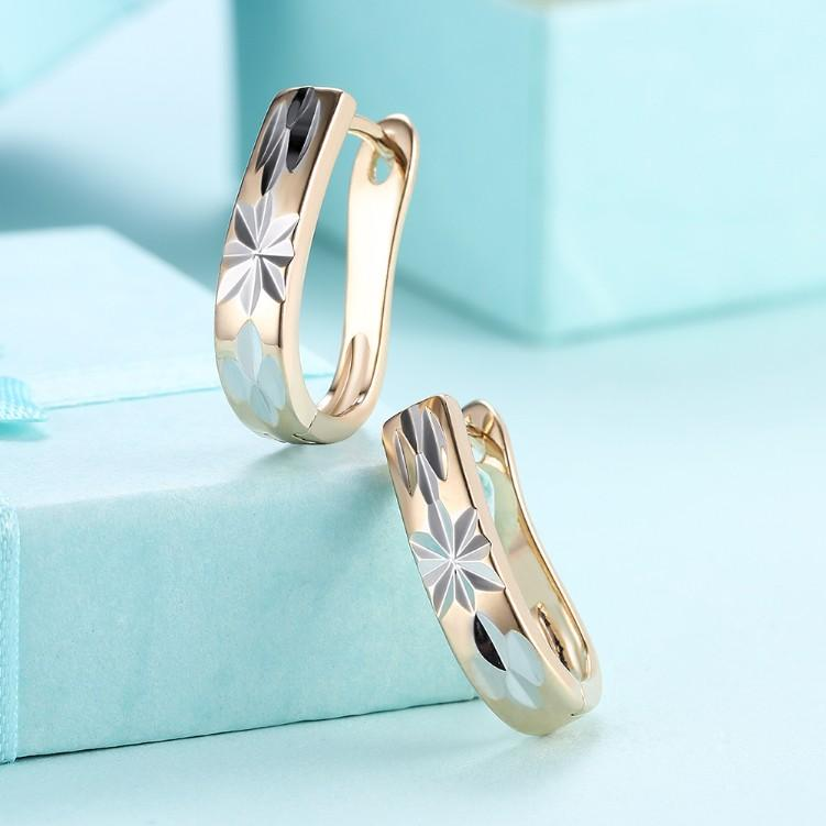 Metallic Layering Design Huggie Earrings Set in 18K Gold