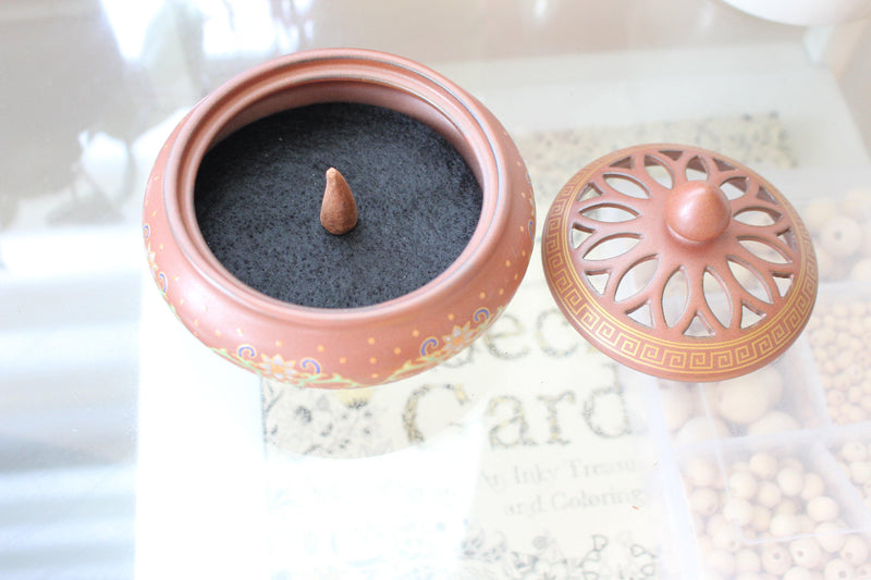 Ashrama Painted Ceramic Incense Bowl With Lid - Cone Incense Burner - Ash Catcher - Rope Incense Burner - Office Relaxation