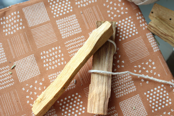"Palo Alto Wood Smudges - 4"" Herbal Smudge - Smudge Sticks - Incense Set of 5 Sticks"