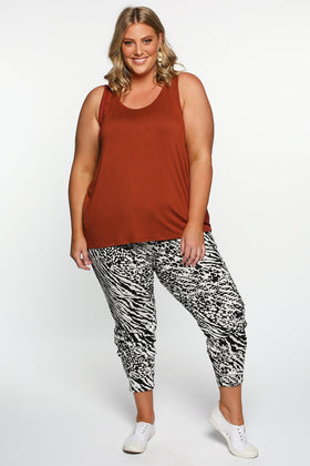 Betty Basics Heidi Pant in Instinct