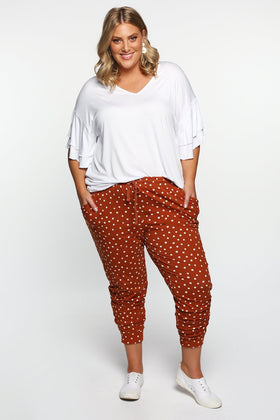 Betty Basics Heidi Pant in Spot