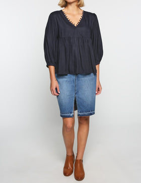 Everly Billow Sleeve Top in Navy