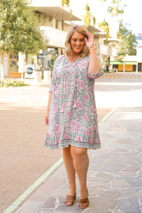 Lucy Shift Dress in Melrose