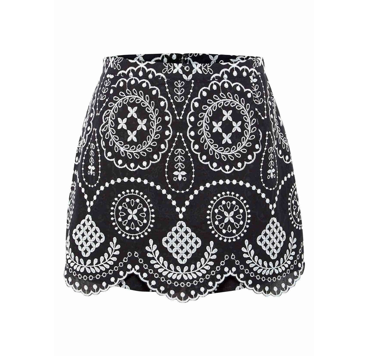 KEEP ON WALKING SKORT BLACK