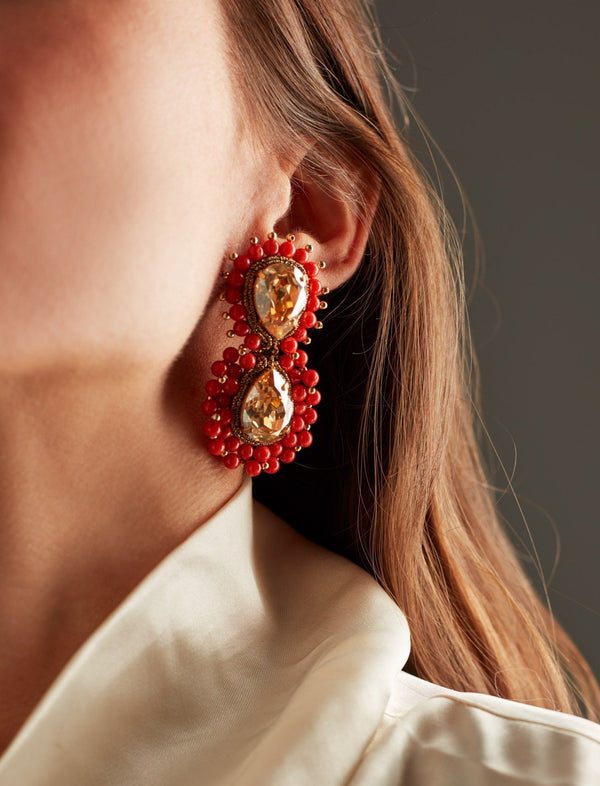 Golden Swarovski crystal and Sardinian red coral Earrings. Pendientes. Orecchini. Ear. Look.