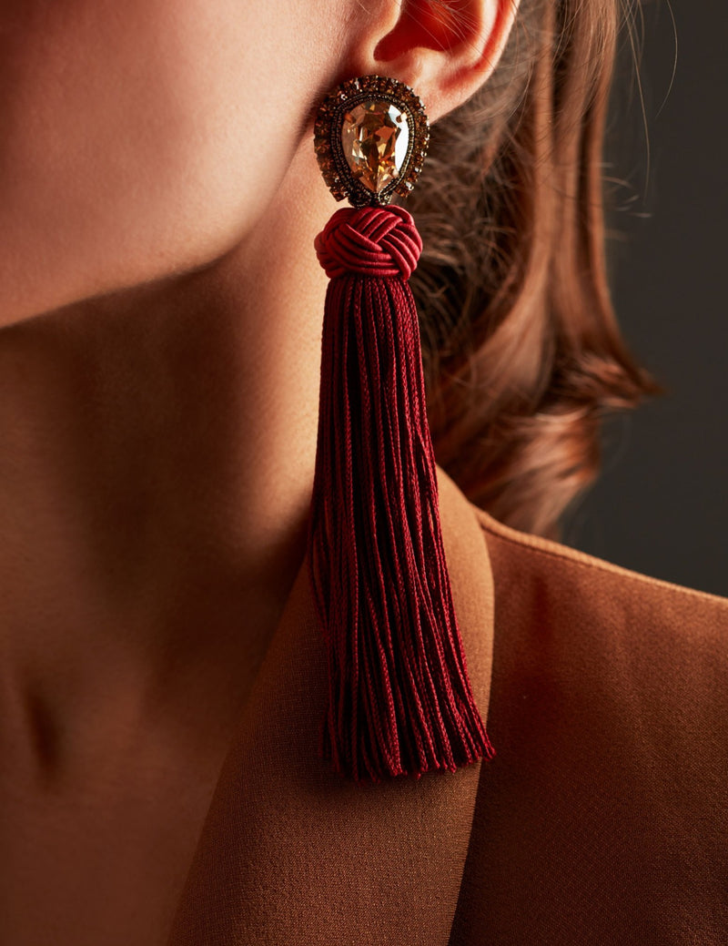 Swarovski crystal earrings with red fringes. Pendientes. Orecchini. Ear. Look.