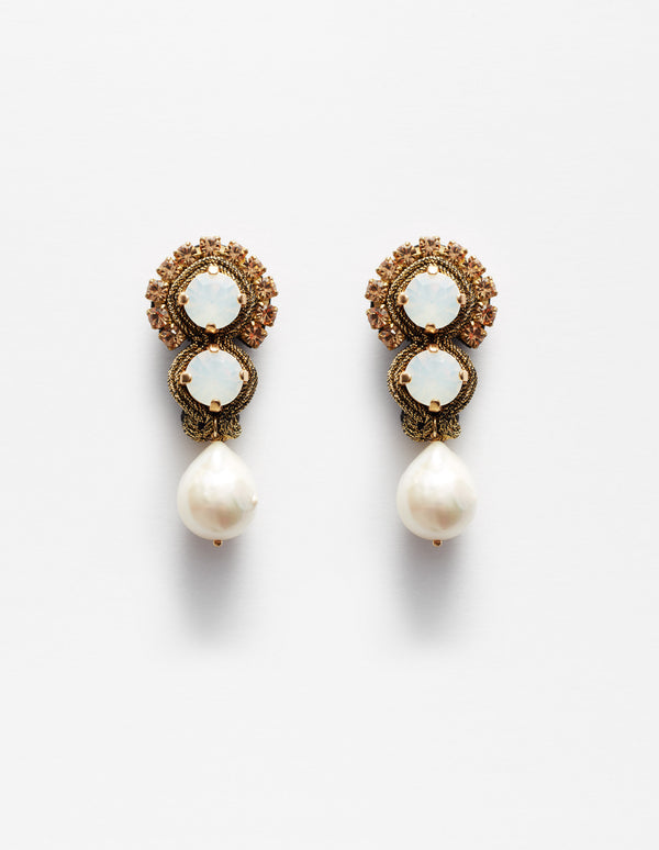 White opal Swarovski crystal and baroque pearls earrings. Pendientes. Orecchini.
