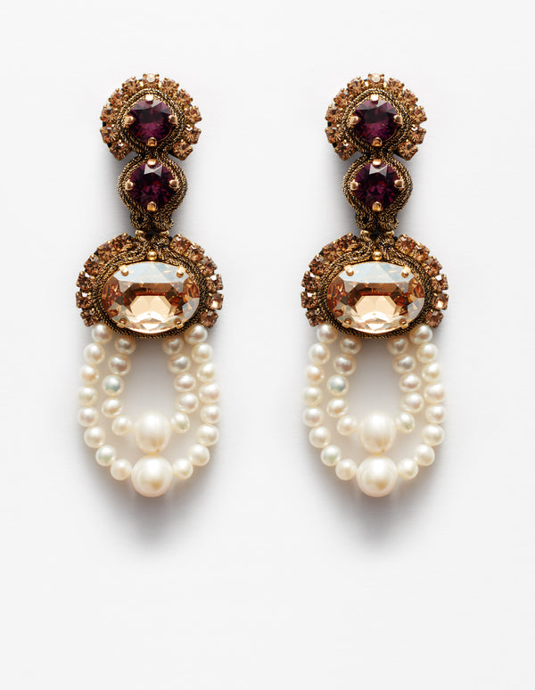 Gold and violet amethyst Swarovski crystal earrings with freshwater pearls. Pendientes. Orecchini.