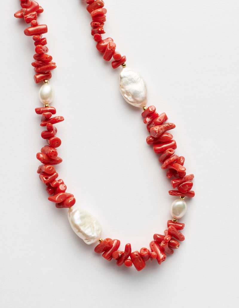 Red coral and freshwater pearls necklace. Collar collana. Details.