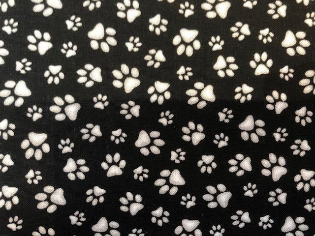 Quilting Cotton  - Paws black and white - 1/2 meter