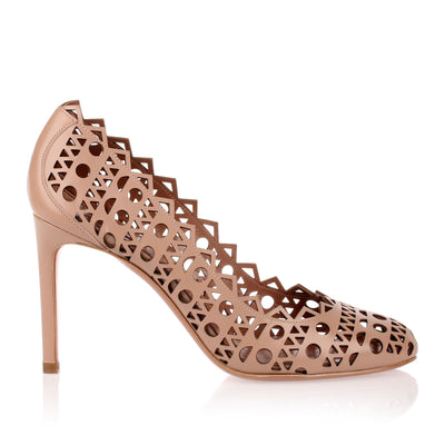 Beige leather laser-cut pump