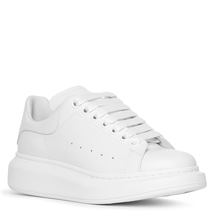 White and white classic sneakers