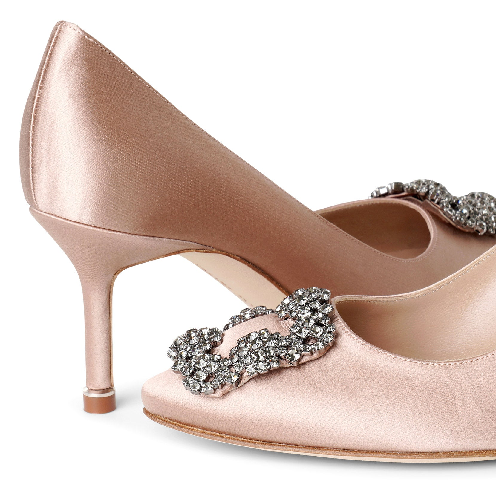 Hangisi 70 beige rose satin pumps