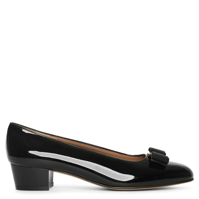 Vara bow patent black pumps